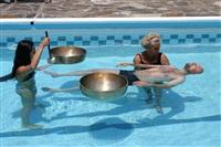 Klangmassage-im-Wasser-I_th
